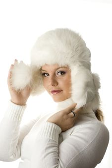 Free Young Women Wearing A Winter Fur Hat Royalty Free Stock Photos - 16471018