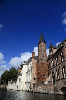 Free Houses At The Riverside, Bruges Royalty Free Stock Photos - 16471388