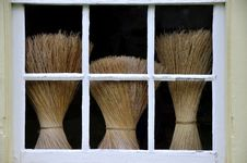 Free Shaker Brooms Royalty Free Stock Image - 16478116
