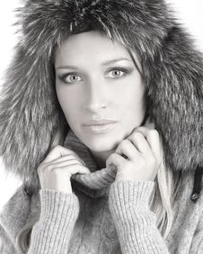 Portrait Of A Young Woman In A Winter Hat Stock Photos