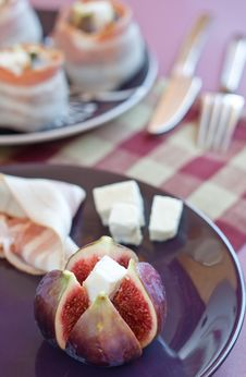 Free Close Up Of Fig With Cheese Royalty Free Stock Images - 16482229
