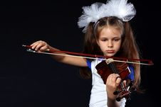 Free Girl With Violin Royalty Free Stock Photos - 16485088
