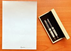 Free Pens And Blank Paper For Signature Royalty Free Stock Photo - 16485455