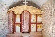 Free Small Greek Chapel . Royalty Free Stock Photography - 16486827