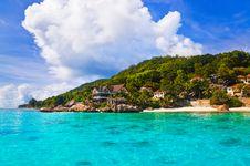 Free Hotel At Tropical Beach Royalty Free Stock Photos - 16496828