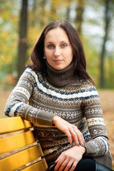 Youn Woman In Autumn Park Stock Photos