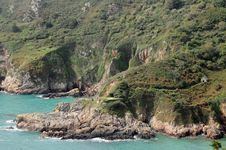 Free Le Gouffre Above Petit Bot Bay, Guernsey Royalty Free Stock Image - 16498916