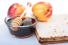 Free Matzah And Nectarine Royalty Free Stock Photography - 16499307