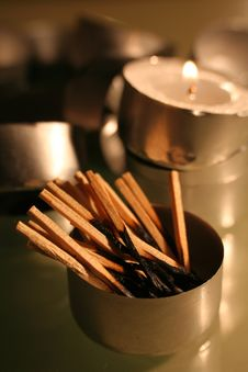 Free Burnt Matchsticks Royalty Free Stock Photo - 1656115