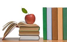 Free Red Apples And Books Stock Image - 16508331