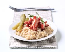 Free White Bean Salad With Sausages Stock Photography - 16511022