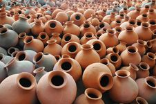 Free Earthen Pots Royalty Free Stock Photo - 16514095