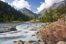 Free Mountain Torrent Stock Photo - 16519350
