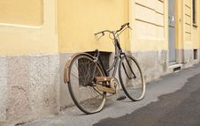 Old Bicycle Royalty Free Stock Photos