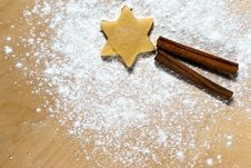 Free Star With Cinnamon Sticks Stock Image - 16524451
