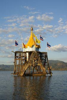 Free Wang Wiwekaram Temple At Sangkhlaburi Of Thailand Royalty Free Stock Photo - 16526145