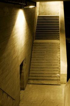 Free Stairs In The Dark Royalty Free Stock Photos - 16526958