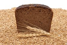 Free Bread With Wheat And Ears Royalty Free Stock Photography - 16527037