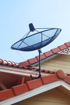 Free Satellite Dish On The Roof Stock Photography - 16534842