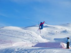 Free Young Skier Stock Photography - 16536052