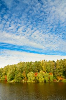 Free Wonderful View Of Autumnal Lake. Stock Photo - 16538330