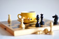 Free Tea And Chess Royalty Free Stock Photography - 16540707