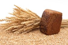 Free Bread With Wheat And Ears Royalty Free Stock Photo - 16542385