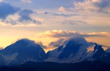 Free Cloud On Mountain Royalty Free Stock Photo - 16542995
