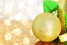 Free Gift Box And Christmas Ball Stock Images - 16544484