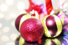 Free Three Red Christmas Balls Royalty Free Stock Photos - 16544498
