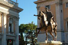 Free Statue Of Emperor Marcus Aurelius Royalty Free Stock Photography - 16545637