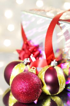 Free Three Red Christmas Balls Stock Photos - 16545793