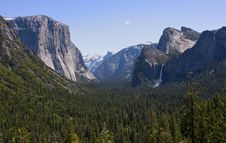 Free Yosemite National Park Tunnel View Royalty Free Stock Photo - 16549105