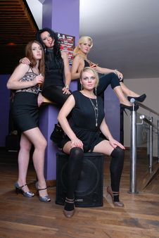 Free Four Beautiful Girls In Bar Royalty Free Stock Photos - 16552888