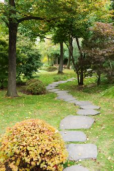Free Path From Stone In Autumn Park Royalty Free Stock Photography - 16554077