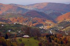 Free Autumn Landscape In Mountains Royalty Free Stock Image - 16554776