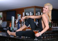 Free Happy Blond Woman On Bar Royalty Free Stock Photography - 16554967