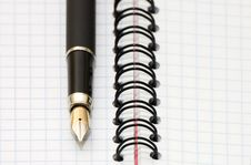 Free Fountain Pen And Blank Spiral Bound Notepad Stock Photos - 16555093