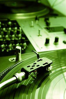 Free Needle On The Vinyl Record Royalty Free Stock Image - 16558506