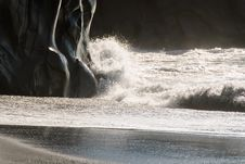 Waves And Rocks Royalty Free Stock Images