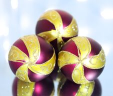 Free Three Red Christmas Ball Stock Photography - 16560162