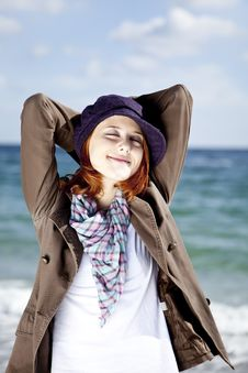 Free Fashion Young Women At The Beach In Sunny Day. Stock Photos - 16562253