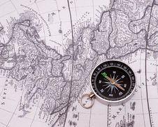 Free Compass On A Card Stock Images - 16562574