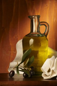 Free Olive Oil Royalty Free Stock Image - 16563366