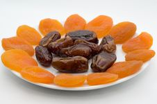 Free The Fruits Of The Phoenix And Dried Apricots Royalty Free Stock Photography - 16563687