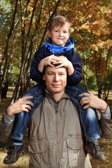 Free Autumn Family Stock Photo - 16564440