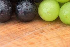 Free Grapes On Table With Copy Space Royalty Free Stock Photo - 16568075