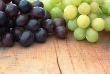 Free Grapes & Table (longer Distance) Stock Photos - 16568093