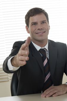 Free Businessman Ready To Shake Hands Royalty Free Stock Images - 16570399