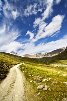 Free Mountain Path Royalty Free Stock Image - 16573926